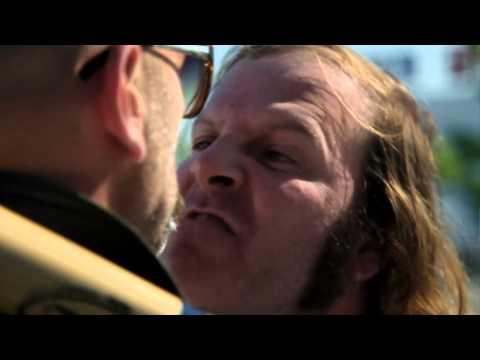 Katerine - Des bisoux (clip officiel)