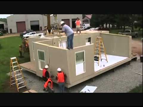 House - Cubed: Rapidly Deployable Housing