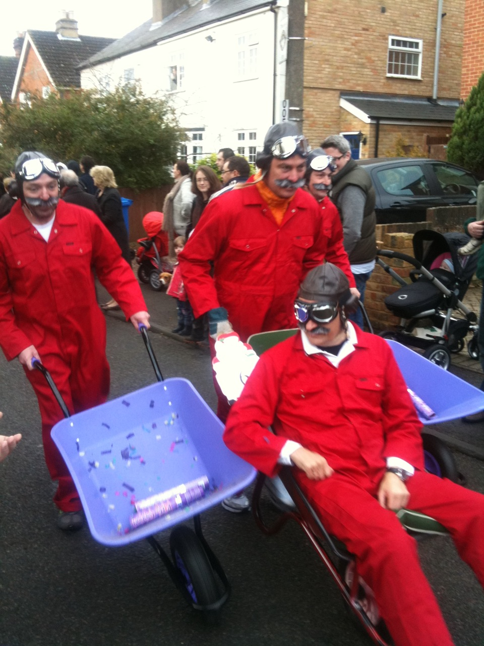 Sunninghill New Years Day wheel barrow race 2011...