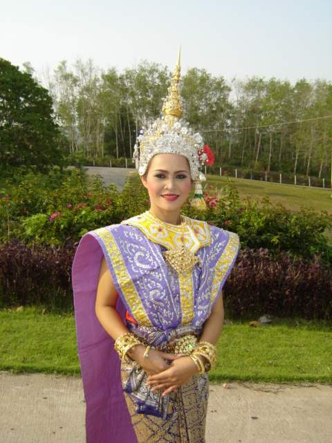 not her wedding dress,The Thai dancer