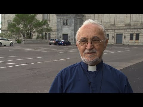 Priest stabbed during morning mass in Montreal