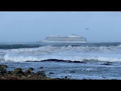 Norway cruise ship reaches port after hundreds of passengers evacuated