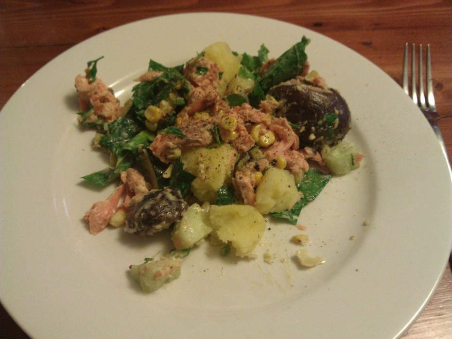 (Vic) Warm smoked trout garden salad