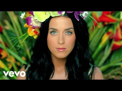 BUZZEZEVIDEO Katy Perry BUZZBABE257 FANS HEAR HER ROAR