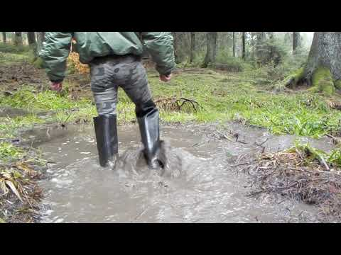 Tall black Rubberboots in Mud