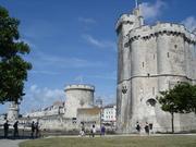2. La Rochelle - town harbour chain gates