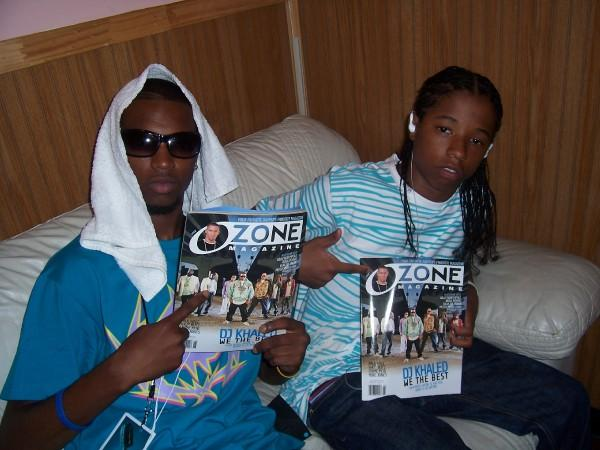 "Black Sunn & Trey Boogie Holding Up ""OZONE MAG"" @ their show in VA"