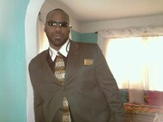 DJ Toledo dress 2 kill!