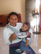 Olga e hija, enfermita... evangelicos desplazados
