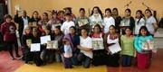 Maestros dela Escuela Dominical en ambiente de persecucion reciben sus certificados