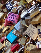 Crowded locks on the Pont des Arts