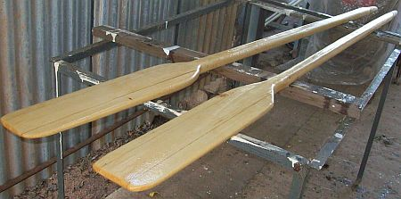 The working oars for the tender