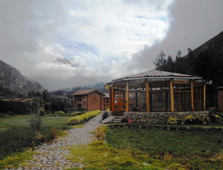 Peru Weaving Words & Women 2014