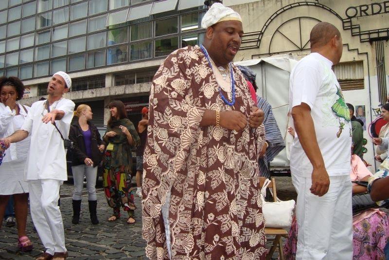 Baba Jorge Kibanazambi no lançamento do  forum