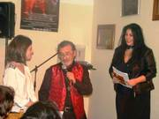 """Debut in poezie """"Cuvinte pentru un strain"""" de Simona Dragomir"""