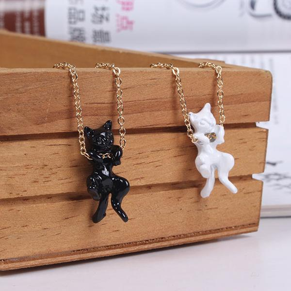 Letshang Out Cat Necklace