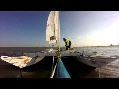 Tiki 21 halyardcleat break at funny weather