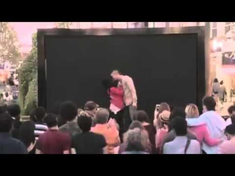 AŞKIN DİLİ, DİNİ, RENGİ ve CİNSİYETİ YOKTUR... Aşkın röntgenini çeken müthiş bir video <3