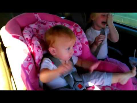 Uyuyan Bebeğe Gangnam Style Dinletilirse Ne Olur? :)))
