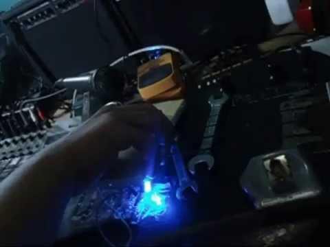 Prepared Bass Guitar + DIY Ebow & DIY Video Mixer