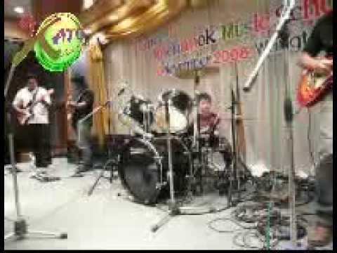 gato drum solo Zombie in concert...14 nov 2008