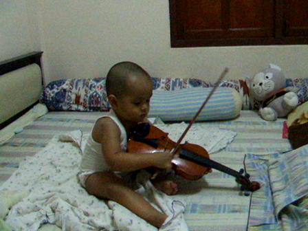 น้องยีนกับดนตรี