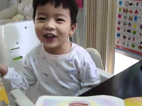 """TonMoak sings """"Happy Birthday"""" song @2Y7M"""