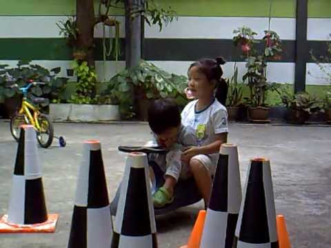 Sis&Bro just play.mp4