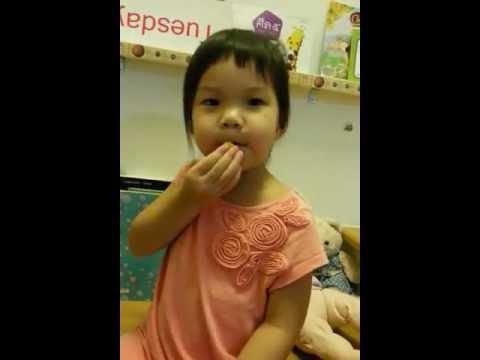 泰国宝宝学中文h和年英文 2。10 岁 ถามจีนตอบอังกฤษ