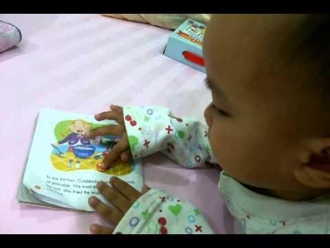 Atomic boy read Goldilocks and the Three bears.mp4