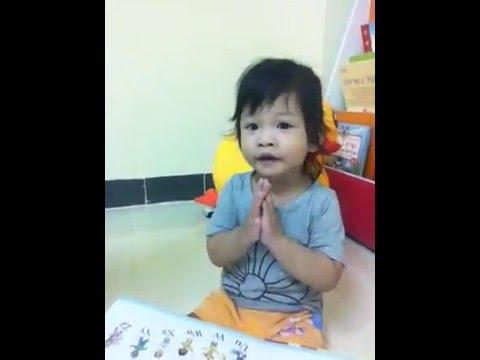 คิกก้าจังอ่านหนังสือด้วยภาษามือ