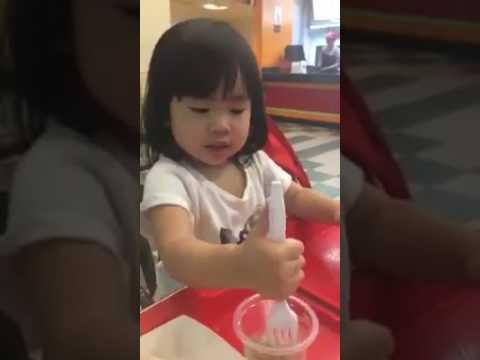 Bilingual Kid (Thai - English) - Nara 2.3 year old. (2)