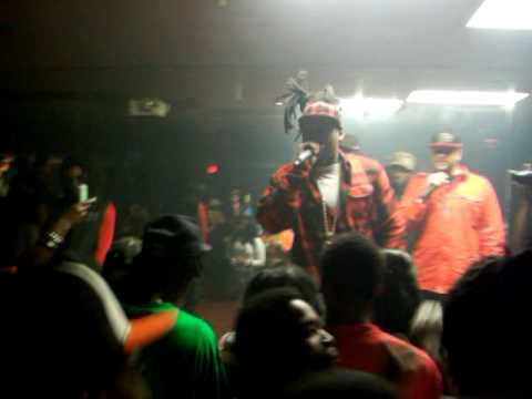 BALLGREEZY LIVE ON STAGE PERFOMING IM DA SH AT CHANCES LAKE WORTH SAT FEB 13 2010
