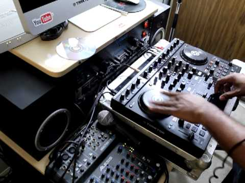 Traktor Scratch Pro 2 S4  Scratch Upgrade Test Using The Jog Wheels