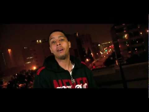 Hollywood Smoove - Love Me or Hate Me