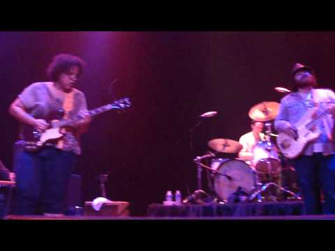 Worryin' Blues - Alabama Shakes -12/06/11