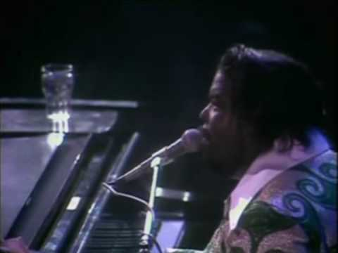 Barry White  At The Royal Albert Hall - Part 9 - I'm Gonna Love You Just A Little More, Babe