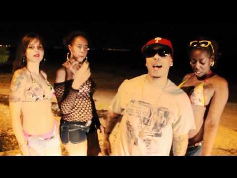 @DonGeeMusic ft. @SkillaSkillpian & Skrayt - Floating & Gliding (Official Music Video)