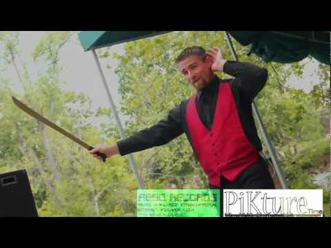 Midwest's Finest: Juggler Yoder tell an Accident Story @ the 2012 Rhapsody in Green Festival