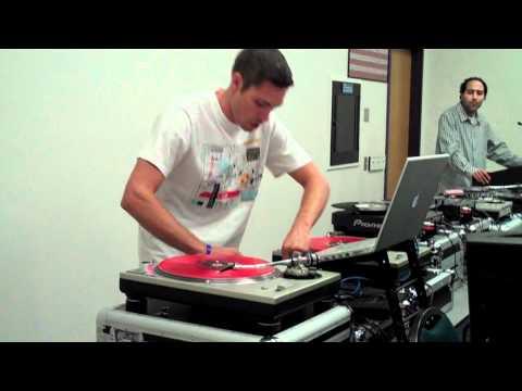 DJ ASCENSION vs Turntablism Class.MP4