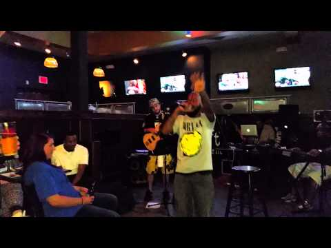 LIVE PERFORMANCE: Billy Lyve at The Greene Turtle - Alyve!