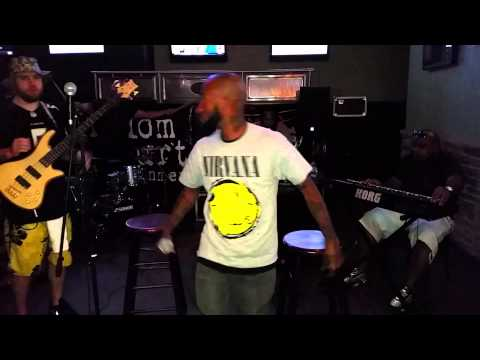 LIVE PERFORMANCE: Billy Lyve's New Song - Passion!