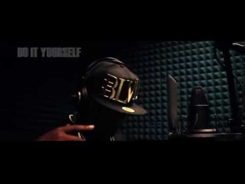 "VOSSY V -""DO IT YOURSELF"" (OFFICIAL VIDEO) SHOT BY @MobbligatedFilms"