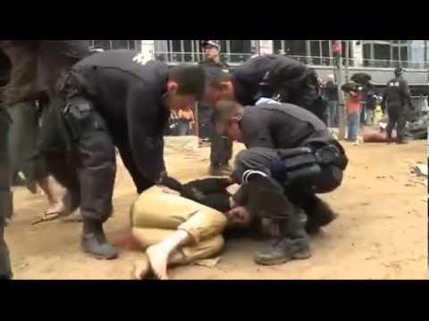 Police Brutality @ Occupy Melbourne, Australia