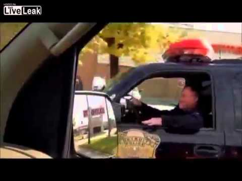 Citizen Tries To Pull Over A Hypocrite Cop For Not Wearing a Seat-belt