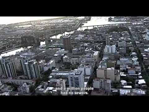 Argentina's Economic Collapse (Memoria Del Saqueo 2004)