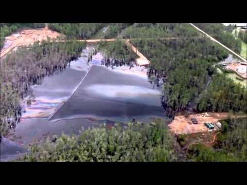 4/5/2013 -- Heavy oil sheen showing across Bayou Corne -- Salt Dome Collapse / Sinkhol