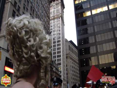 LADY LIBERTY Park W Blonde Wig Thanks NYPD In Her Patriotic Underwear @Occupy Wall Street Protest