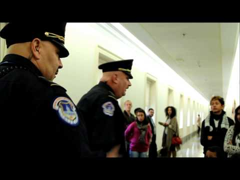 Capitol Police yell at singing children and activists