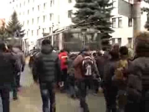 Protesters shot at Ukraine Security Service office in Khmelnytskyi — February 19, 2014 #Kiev #Ukraine